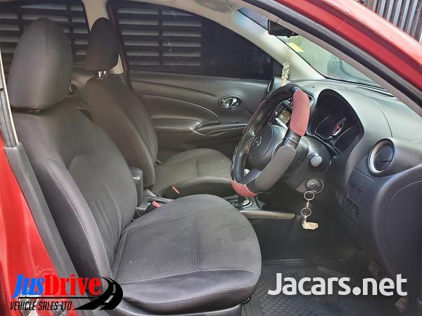 Nissan Versa 1,5L 2013-7