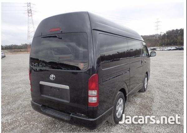 Toyota Hiace Van 3.0 2017-5