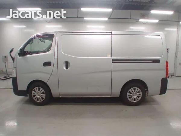2015 Nissan Caravan freezer-7