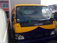 2006 Isuzu dry box 5 ton Truck