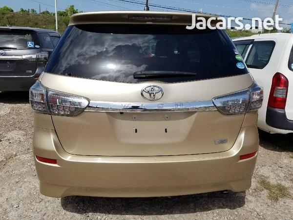 Toyota Wish 2,0L 2013-7