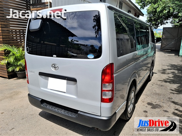 Toyota Hiace 2,0L 2014-6