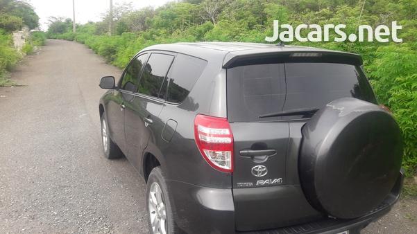 Toyota RAV4 2,4L 2012-4