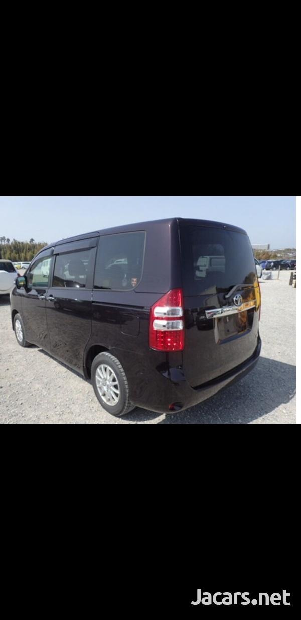 Honda Stepwgn 2,0L 2013-2