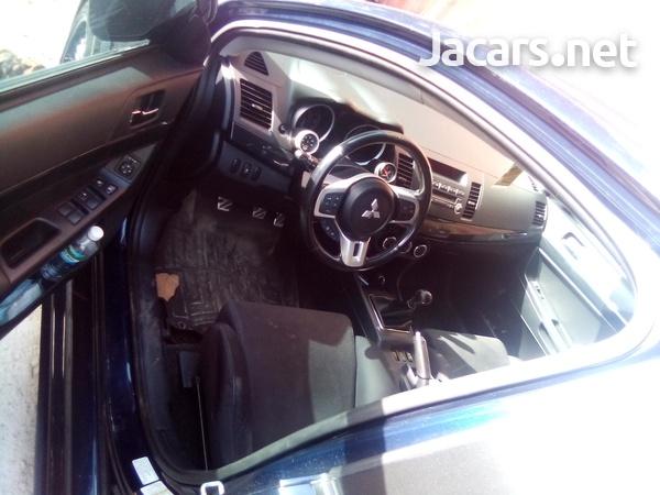 Mitsubishi Evolution 3,0L 2013-6