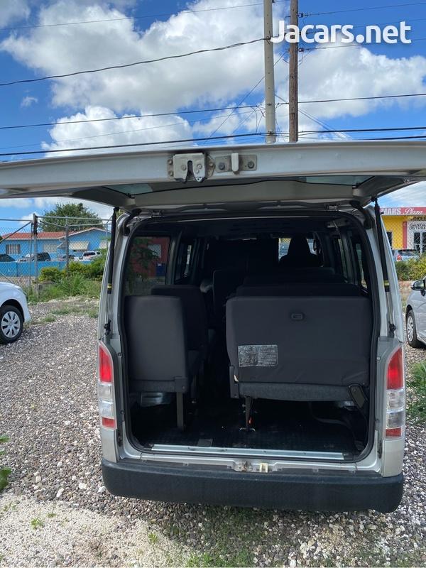 Toyota Hiace 3,0L 2017-4