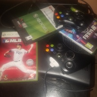 xbox 360 with 2 controller for 15k