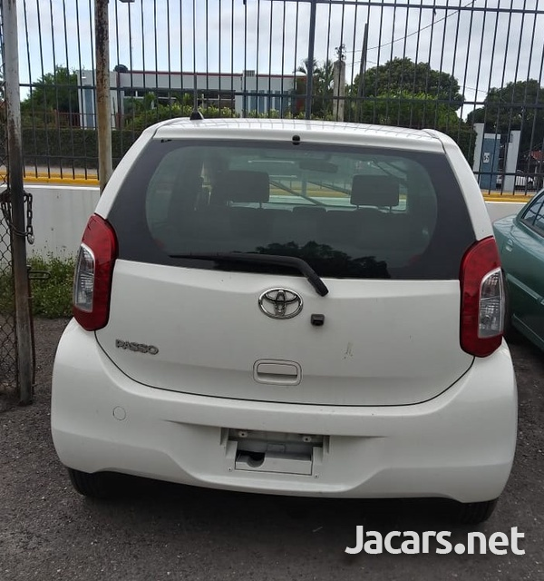 Toyota Passo 1,3L 2014-13