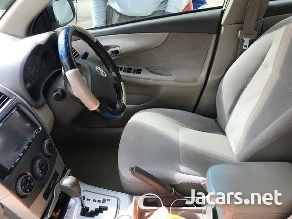 Toyota Axio 2,0L 2011-5