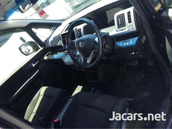 Honda Step wagon 1,8L 2011-5