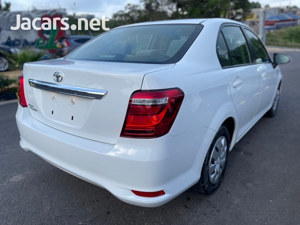 Toyota Axio 1,3L 2015-6