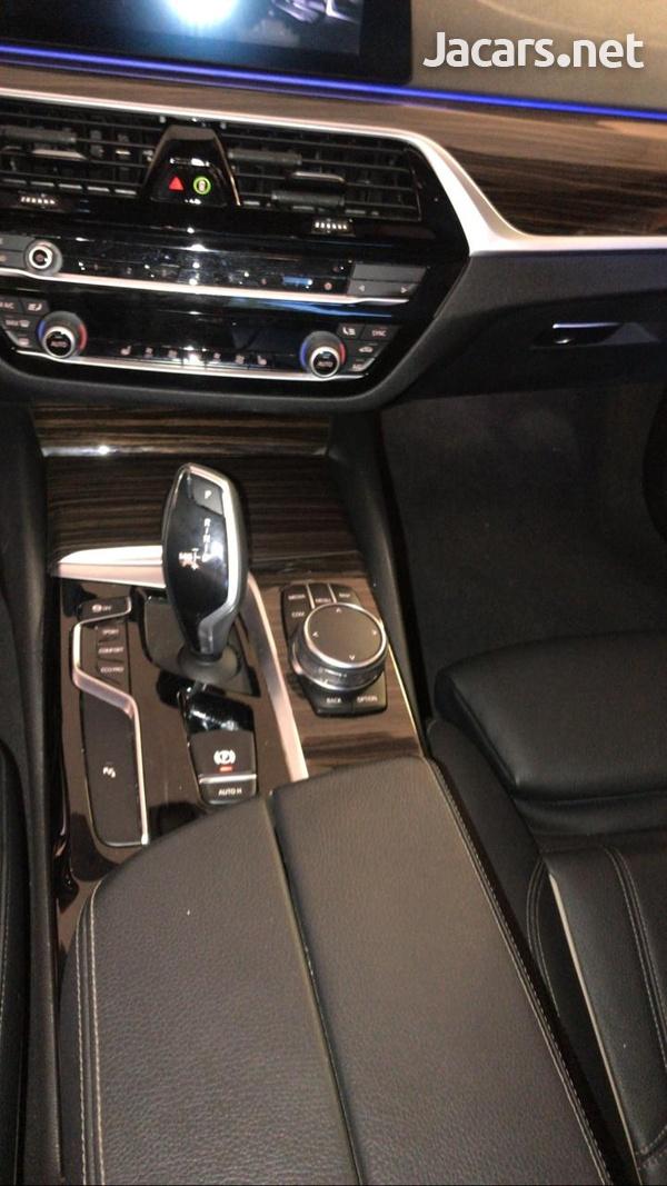 BMW 5-Series 3,0L 2019-9