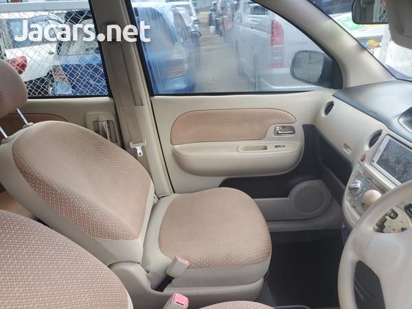 Toyota Sienta 1,6L 2012-8