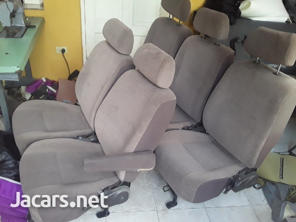 TOYOTA HIACE SEATS WITH HEAD REST.876 3621268