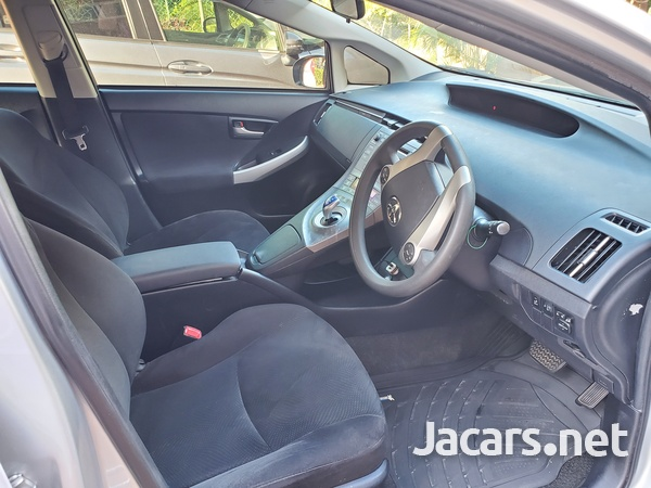 Toyota Prius 1,8L 2013-8