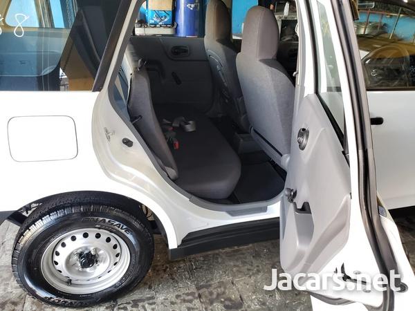 Nissan AD Wagon 1,5L 2015-7