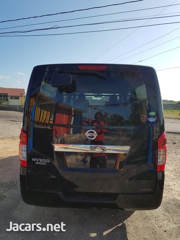 Nissan NV 350 2013-8