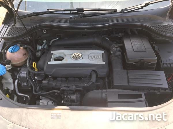 Volkswagen Passat 1,9L 2014-1