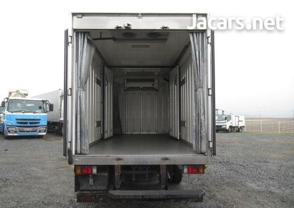 Isuzu Freezer Truck 2012-3