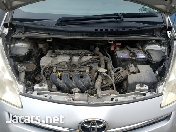 Toyota Ractis 1,5L 2011-8
