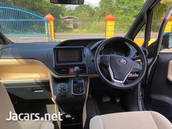 2015 Toyota Noah-2