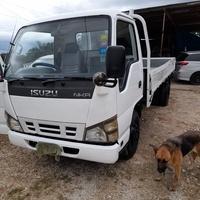 2007 Isuzu Truck