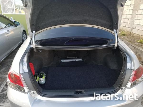 Honda Accord 2,0L 2010-8