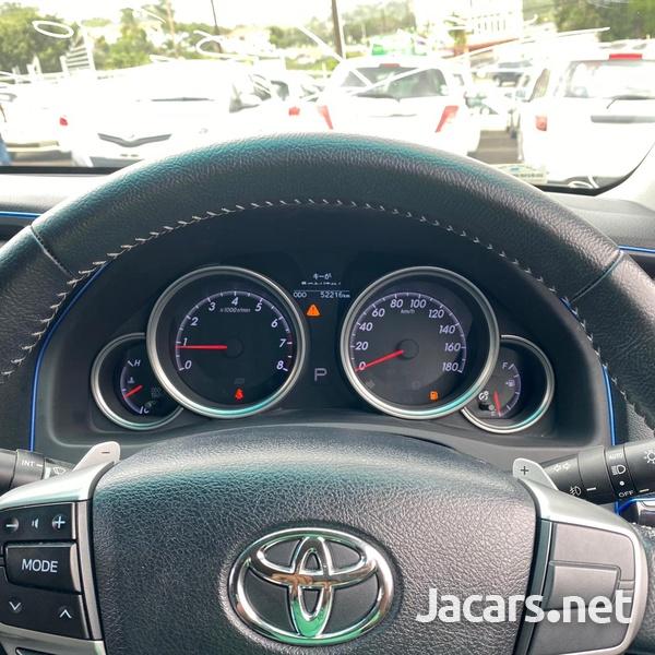 Toyota Mark X 2,5L 2016-8