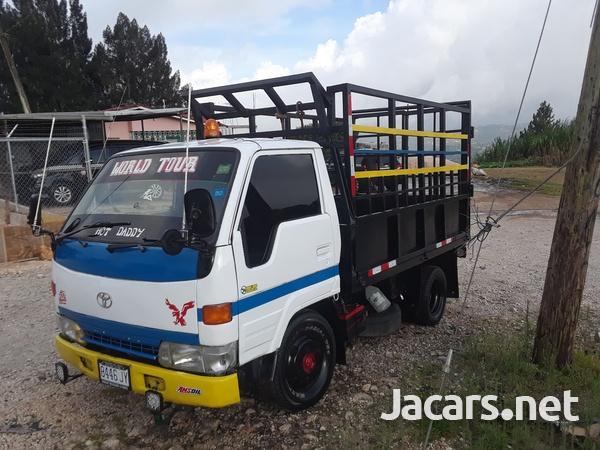 Working 1996 Dyna Truck-2
