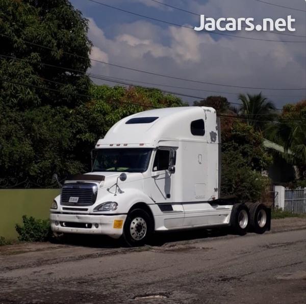 2004 Freightliner Columbia Truck-1