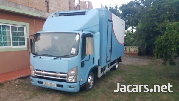 2013 Isuzu freezer truck-4