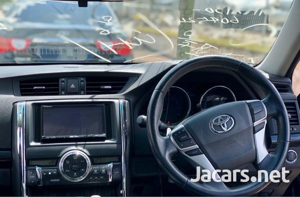 Toyota Mark X 1,5L 2011-6