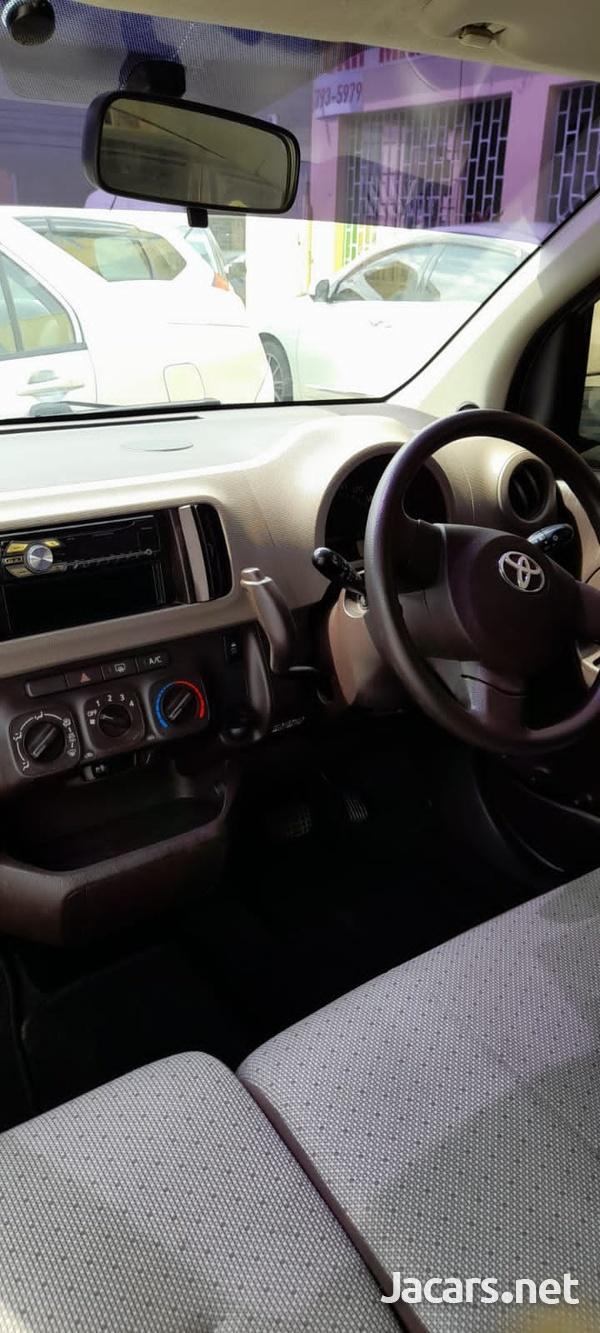 Toyota Passo 1,0L 2014-6