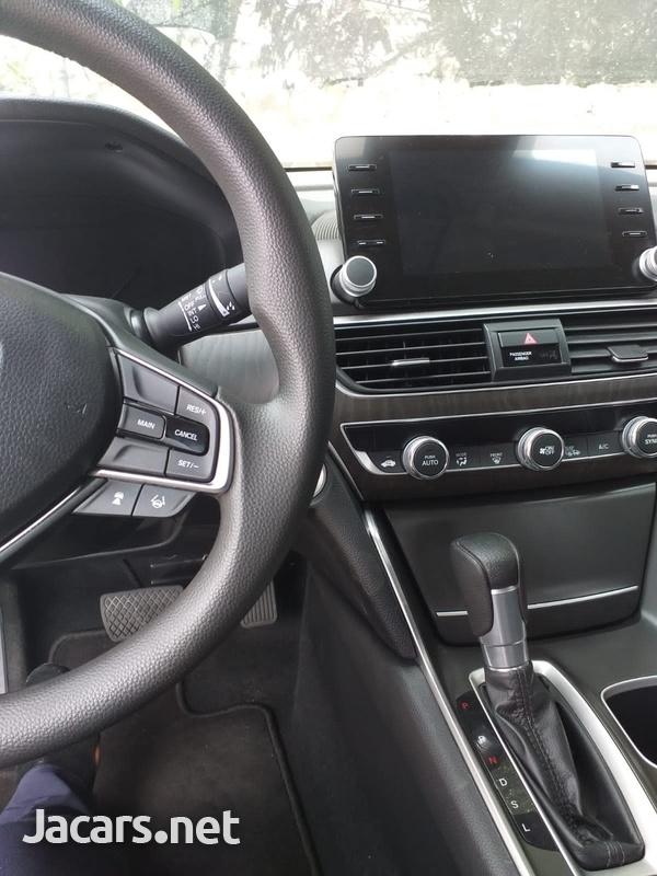 Honda Accord 2,0L 2019-3