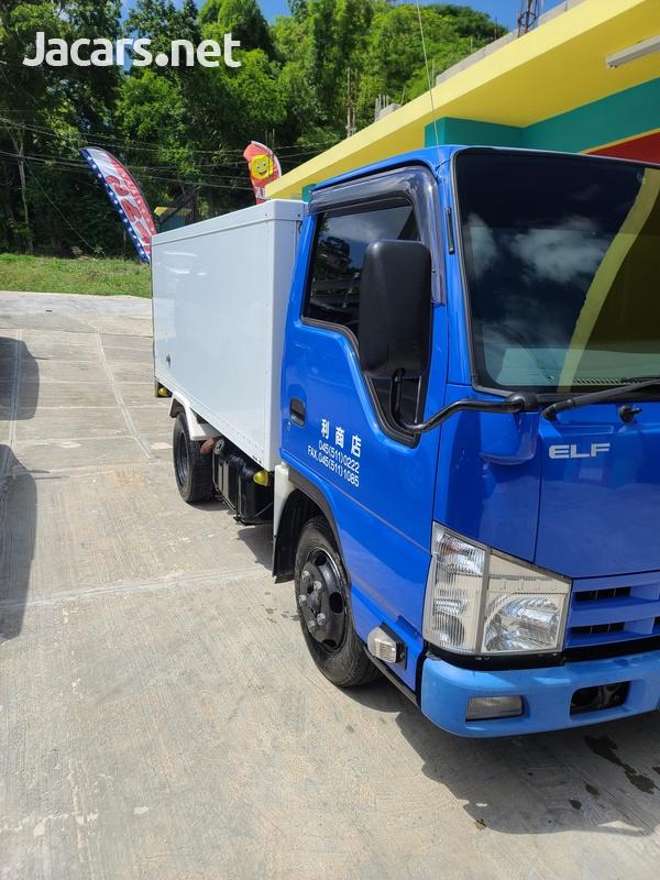 Isuzu Box Body Truck 3,5L 2012-4