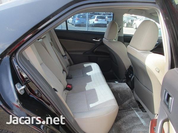 Toyota Mark X 1,6L 2010-3