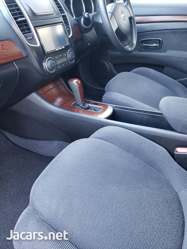 Nissan Bluebird 2,0L 2011-5