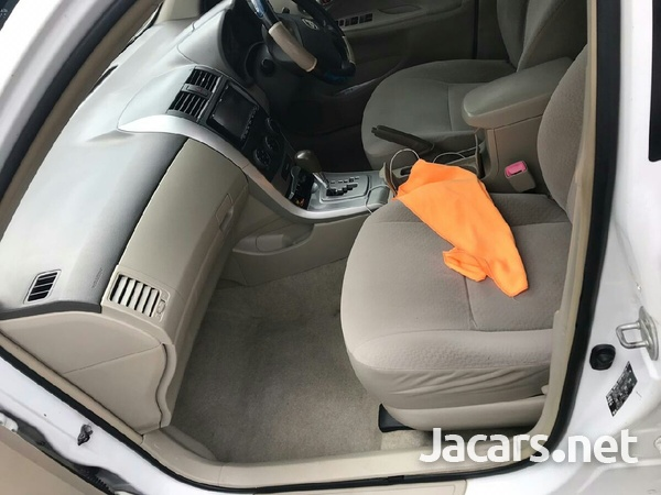 Toyota Axio 2,0L 2011-6