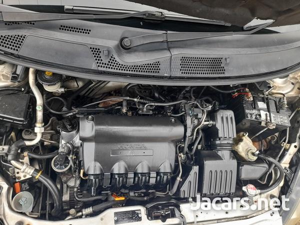 Honda Fit 1,3L 2007-7