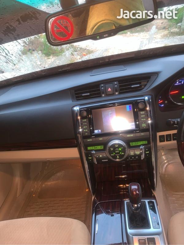 Toyota Mark X 3,5L 2012-8