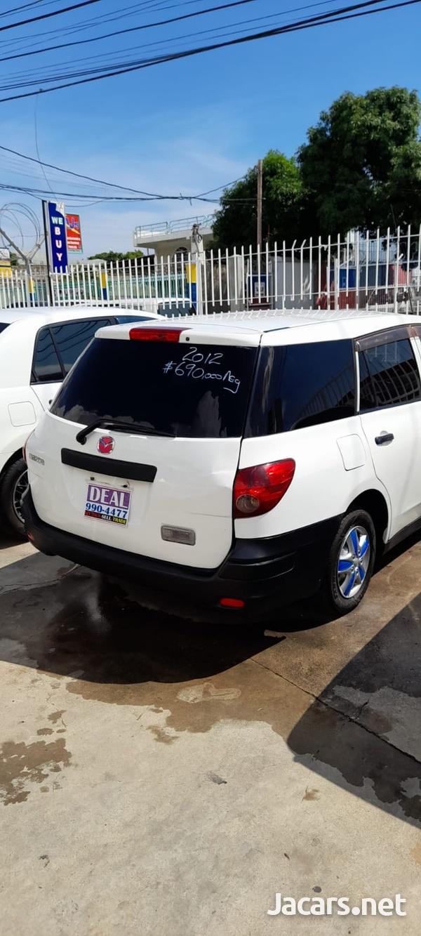 Mazda Familia 1,5L 2012-4