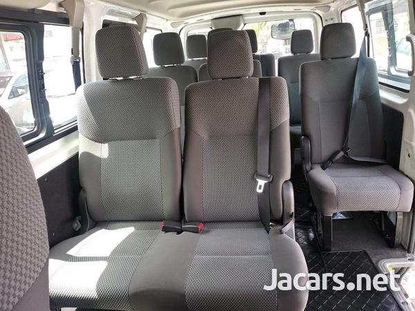 Nissan Caravan 2,3L 2015-10