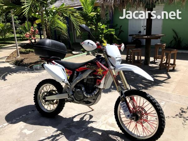 2005 honda CRF 450x Dual Sport Dirt Bike-5
