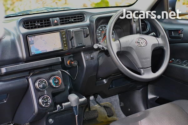 Toyota Probox 1,5L 2018-15