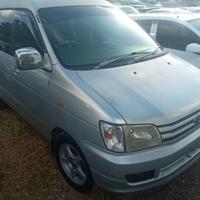 Toyota Noah 2,0L 2001