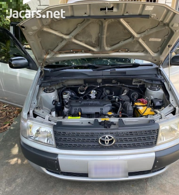 Toyota Probox 1,5L 2013-12