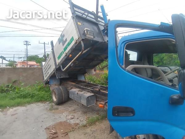 2008 Hino Truck-3
