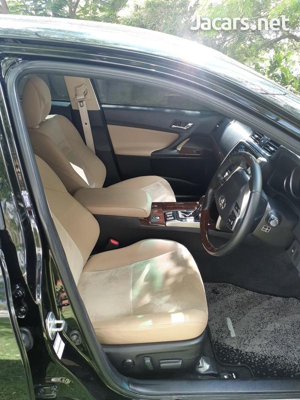 Toyota Mark X 3,5L 2015-8