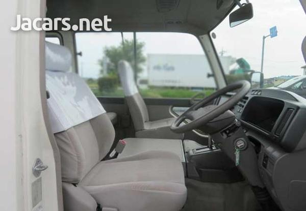 2011 Toyota Coaster Bus 4,0L-10