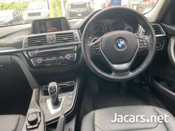 BMW 3-Series 2,0L 2017-5